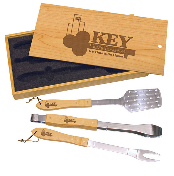 Pine three piece barbecue set.